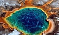 """Vẻ đẹp """"thần tiên"""" của suối nước nóng 7 sắc cầu vồng lớn nhất nước Mỹ"""