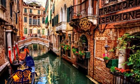 Venice: Thành phố nổi độc nhất trên thế giới đang chìm?