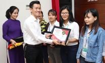 Hồng Hà Feed: Trao học bổng cho sinh viên khó khăn