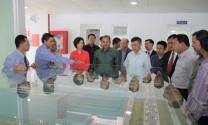 Đoàn đại biểu cấp cao Lào thăm và làm việc tại nhà máy Sữa Việt Nam