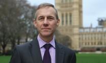 Nigel Paul Gibbens: Tiên phong chống dịch lao phổi  trên vật nuôi