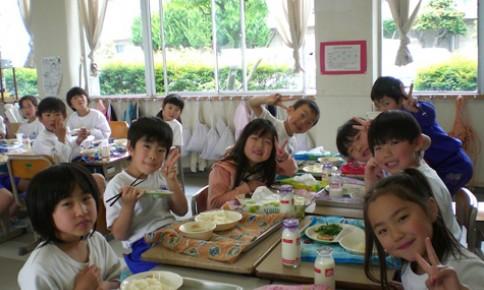 """Chương trình """"Sữa học đường"""" tại Hà Nội: Quan trọng là công khai, minh bạch"""