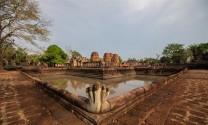 Vẻ đẹp đền Muang Tam của Thái Lan