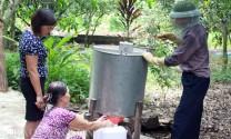 Hữu Lũng (Lạng Sơn): Làm giàu từ nuôi ong lấy mật